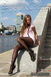 [Image: th_032901815_tduid2978_Pantyhose_Outdoor...3_15lo.jpg]