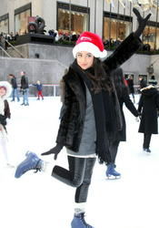 http://img278.imagevenue.com/loc204/th_76113_pretty_little_liars_ice_skate_09_122_204lo.jpg