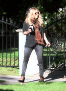 http://img278.imagevenue.com/loc517/th_41615_Mary_Kate_Olsen_Spent_at_a_friends_house3_122_517lo.jpg