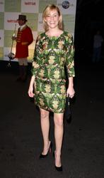 [IMG]http://img278.imagevenue.com/loc564/th_52489_celebrity_city_Elizabeth_Banks_101_123_564lo.jpg[/IMG]